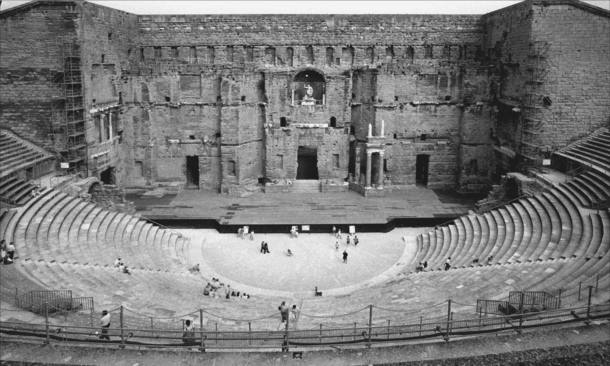 Theatres Antiques - Claude Philip
